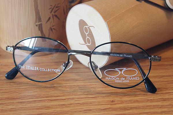 vtg-456Maison de frames the Italia collection oval rim